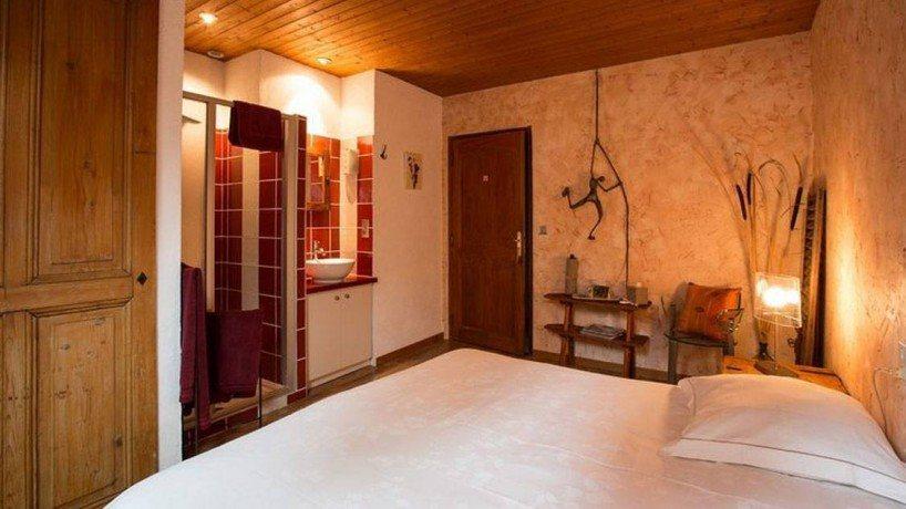 La chambre d 39 h tes proche d 39 aix les bains lamartine - Chambre d hote divonne les bains ...